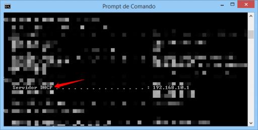 Prompt de comando do Windows com comando ipconfig/all exibindo Servidor DHCP
